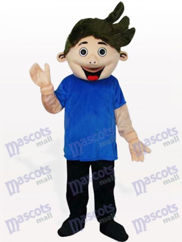 Petit garçon en costume de mascotte adulte de chemise bleue
